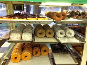 Donuts_(Coffee_An),_Westport,_CT_06880_USA_-_Feb_2013